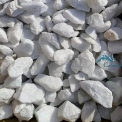 Мраморный щебень белый фр. 20-40 мм, в мешках по 25 кг