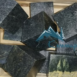 змеевик камень пиленый кубики